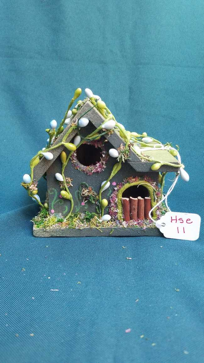 Fairy House - Miniature - Moss Green - Flowers and Pearls - 5 inches Tall